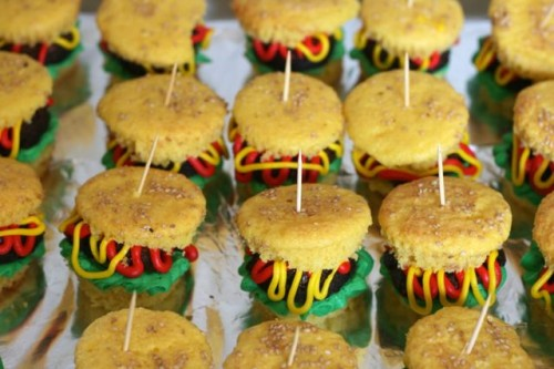 Hamburger Cupcakes via Jamie's Recipes