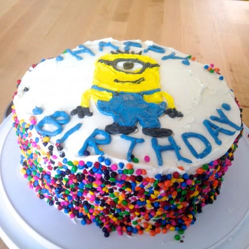 Rainbow-Minion-Cake-