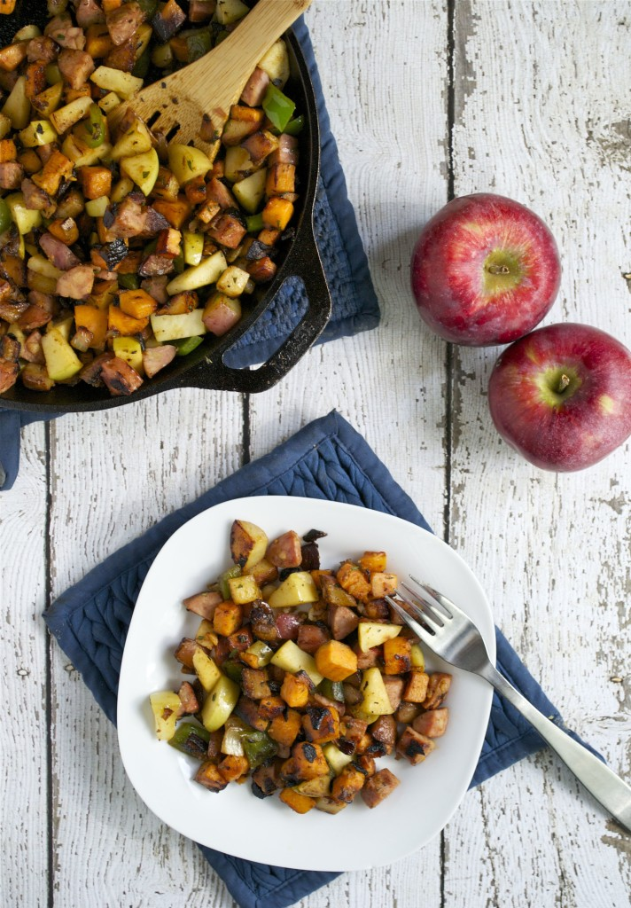 Sausage-and-Apple-Breakfast-Hash-2-712x1024