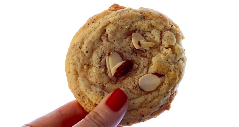 chinese new year, almond cookies